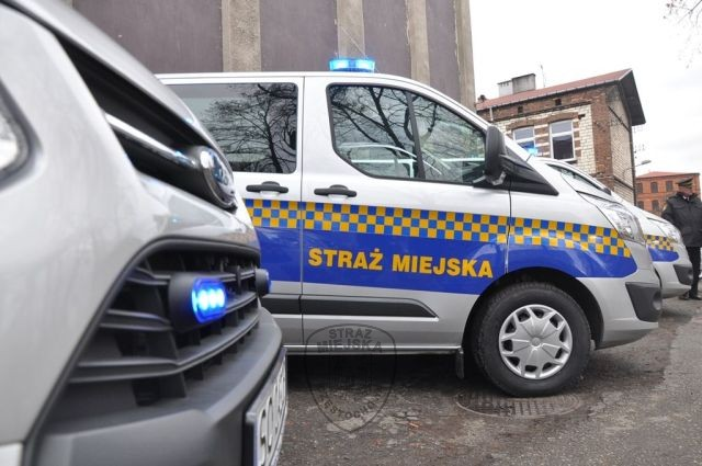 Strażnicy miejscy ujęli dwie poszukiwane osoby